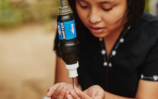 Dimostrazione utilizzo filtro dell'acqua
