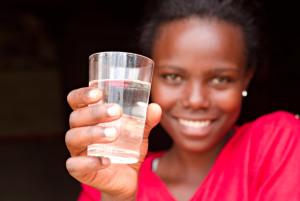 Dona filtri per la potabilizzazione dell'acqua