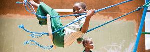 Area giochi per i bambini in Uganda