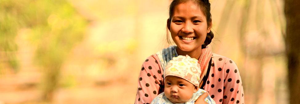 Festa della mamma: mamma e bambino in Tailandia